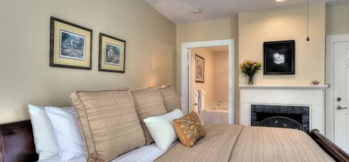 Room 2 and bathroom entry at The Addison on Amelia Island