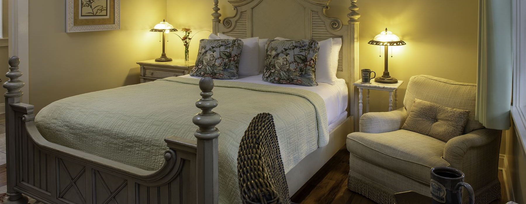 Room 15 at The Addison on Amelia Island - View of bed